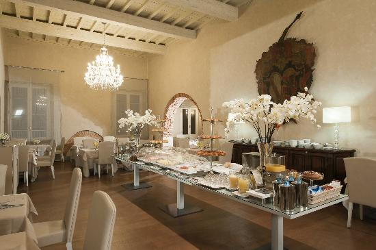 Hotel Brunelleschi: Buffet Breakfast