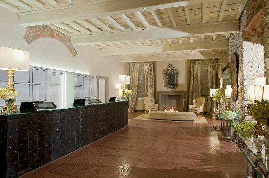 Hotel Brunelleschi: Reception