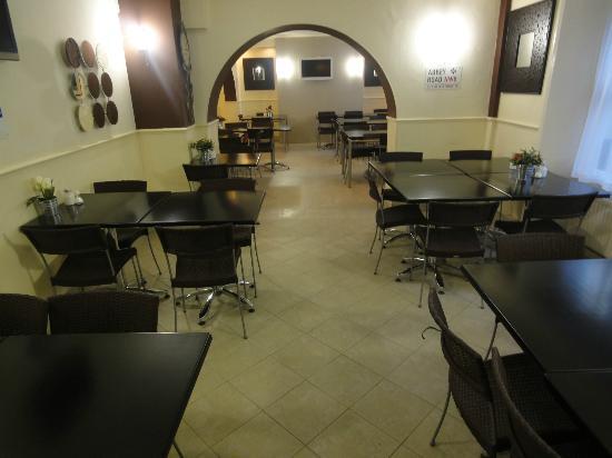 Huttons Hotel: dinning