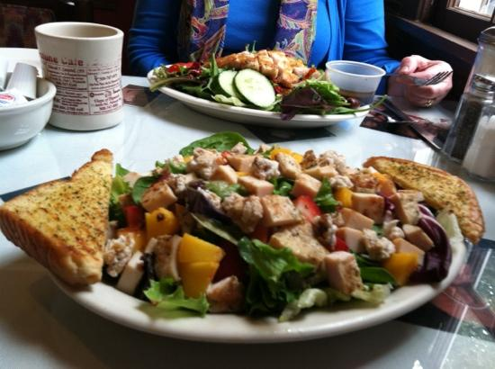Cornerstone Cafe: Southern Belle Salad w/ fresh peaches candied pecans and fresh strawberries!