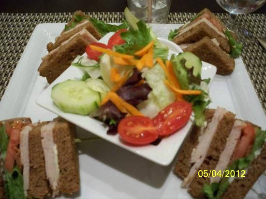 Courtyard by Marriott Chevy Chase: My delicious dinner!