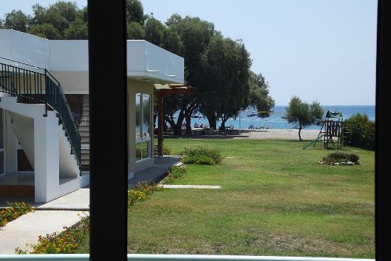 Stafilia Beach : VUE D'UNE CHAMBRE
