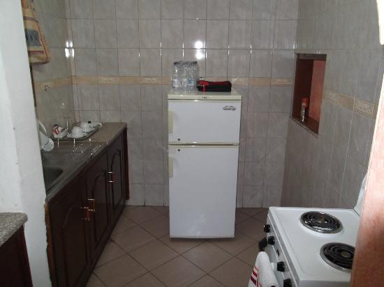 Chabanga Lodge: Kitchen Area