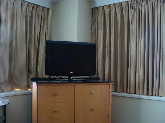 Days Inn Lebanon Valley: tv in room