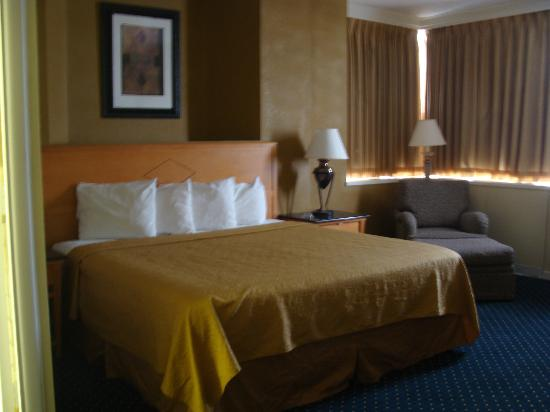 Days Inn Lebanon Valley: Business king