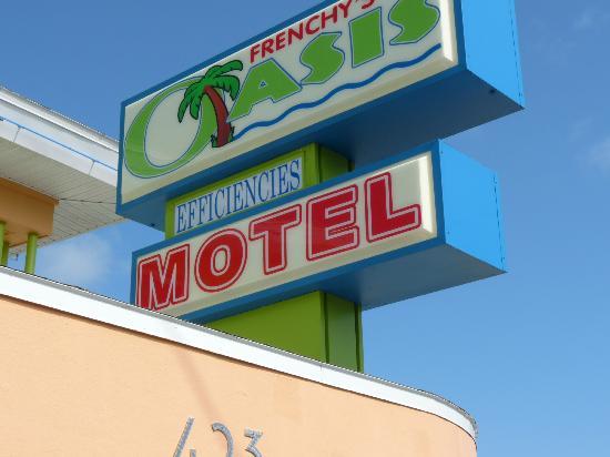 Frenchy's Oasis Motel: Hotel