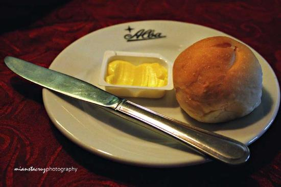 Alba Restaurante Espanol: Bread and Butter