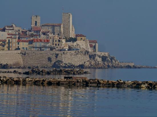 Royal Antibes Hotel, Residence, Beach & Spa: View of Antibbes from Corniche in front of Hotel