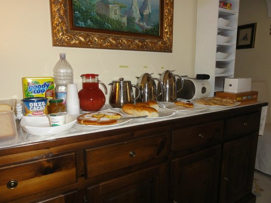 Villa Mimosa Bed & Breakfast Resort: buffet colazione