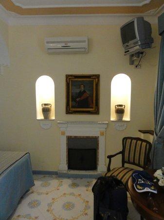 Villa Mimosa Bed & Breakfast Resort: particolare della stanza (luce nelle nicchie)