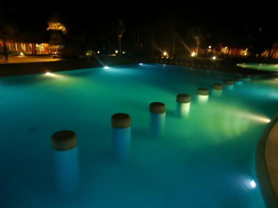 Catalonia Playa Maroma: Pool by night