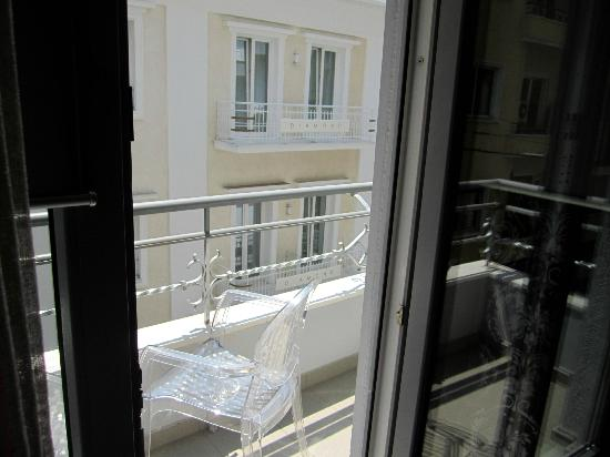 Athens Diamond Homtel: Balcony