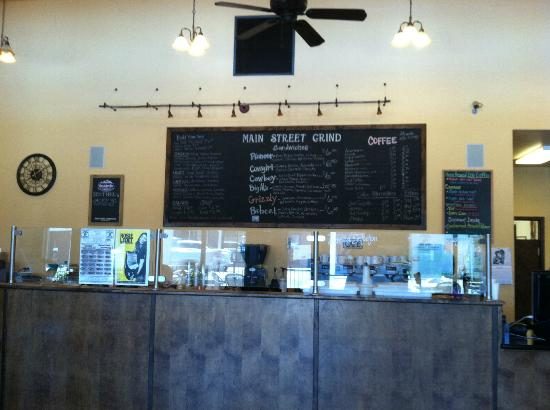 Main Street Grind: Menu and counter inside