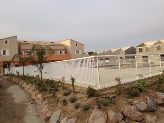 Les Demeures Torrellanes: la piscine n est pas ronde comme sur le plan !