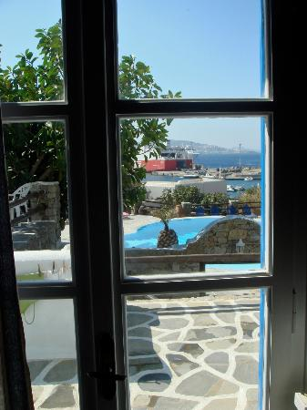 Makis Place: another room view