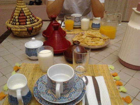 Riad Tahani: Desayuno.
