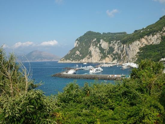 Relais Casa Vienna: Capri harbour