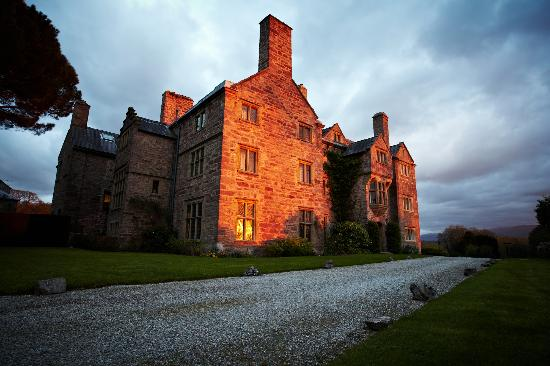 Bodysgallen Hall & Spa: Wedding venue sunset