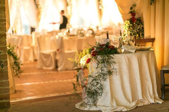 Agriturismo La Casella: sala ristorante nel giorno del ns matrimonio - dining room on our wedding dinner party