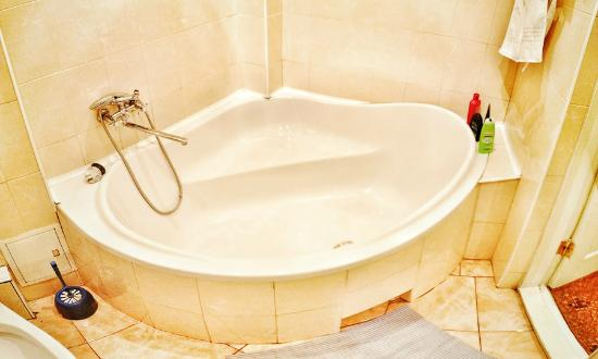 Pumba Hostel: Bathroom
