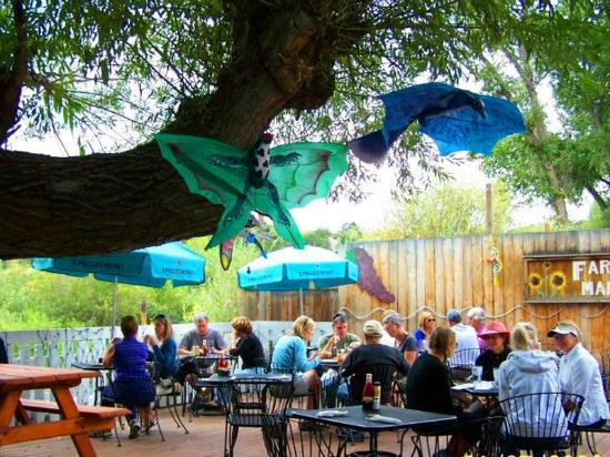 Sweet Pea Market and Restaurant: Outdoor patio by the Yampa River