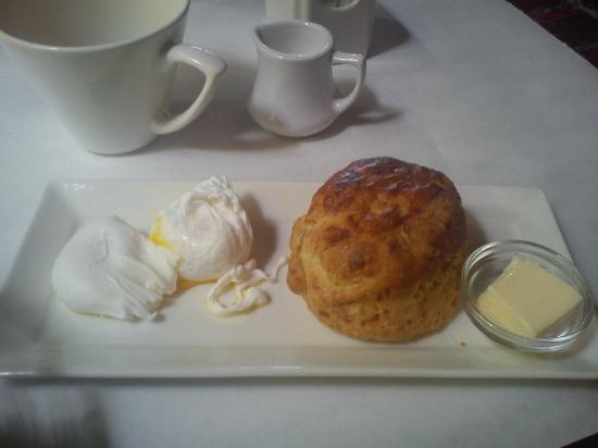Hall Street Bar & Grill: Side: Biscuit and Poached Eggs