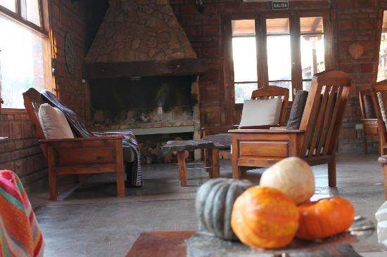 Posada El Encuentro: Sala de estar