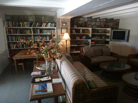 Montpelier Plantation & Beach: Reading/game room