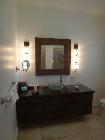 Montpelier Plantation & Beach: Bathroom