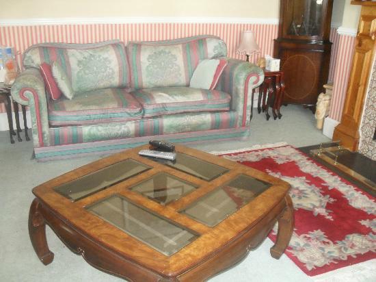 The Llandudno Hotel: lounge