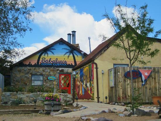 Babaluu's Cocina Cubana: Just as colorful and warm on the inside as on the outside!