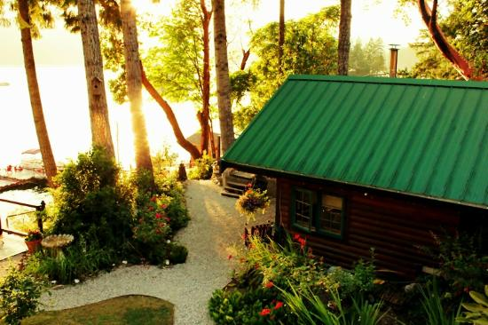 Tranquility Bay Waterfront Inn: Knotty Pine Cabin