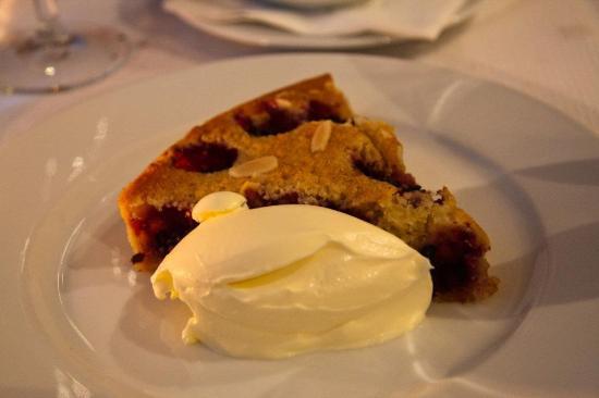 Magdalen : Rasberry and almond tart
