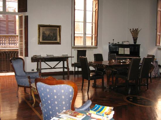 B&B Palazzo del Duca: the salon at the Palazzo del Duca