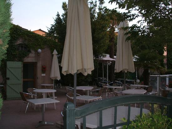 Auberge Les Palmiers: Dining Area