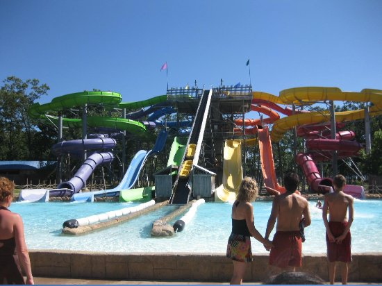 Jackson, NJ: Tube, toboggan or free slide