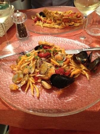 Il Tinello : trofie ai frutti di mare