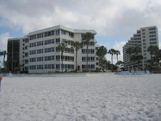 Sarasota Surf and Racquet Club: The apart from its private beach