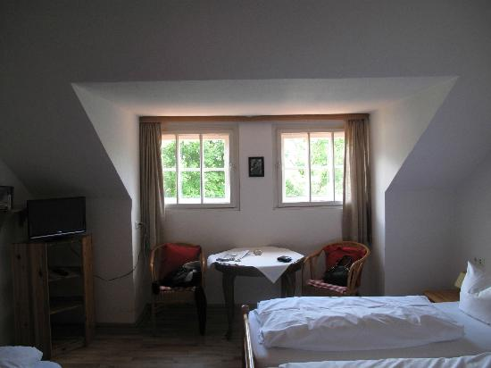 Landhaus Hohe Tannen: Bedroom windows