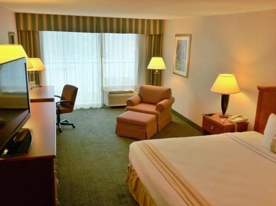 Holiday Inn Charlottesville - University Area: King Room