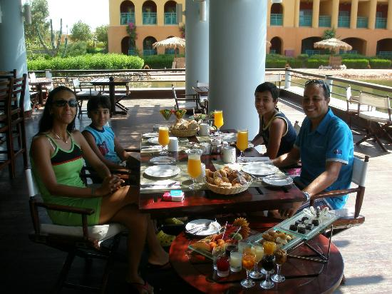 Strand Beach and Golf  Resort Taba Heights: special breakfast in special place