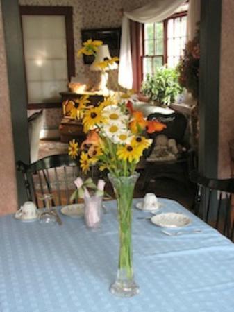 The Tuckernuck Inn: Dining Room Welcome
