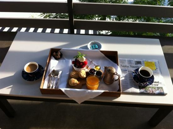 Hotel Saint Cecilia: breakfast on the balcony