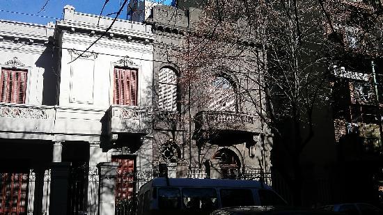 HI Hostels Suites Palermo: Facade