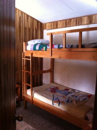 Cabinas Eddy B&B: kid's bunk beds in rooms for family's