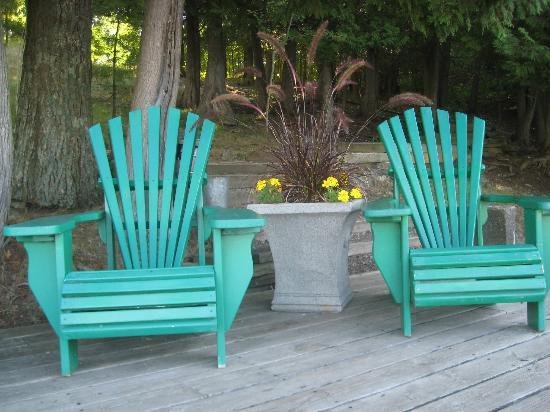 Cedarwood on Lake Muskoka : Muskoka chairs on the dock