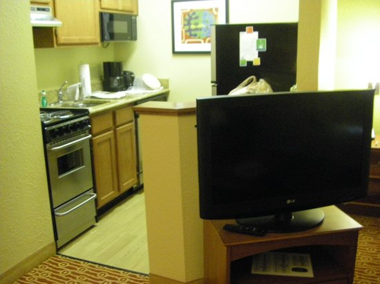 TownePlace Suites Falls Church: Kitchen area