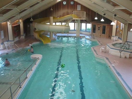 Rodd Mill River Resort: Pool and Waterslide