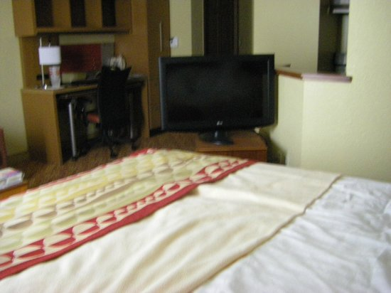 TownePlace Suites Falls Church: Room from bed, with rotating TV stand to watch in bed or living area