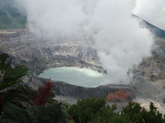 Poas Volcano: Cráter